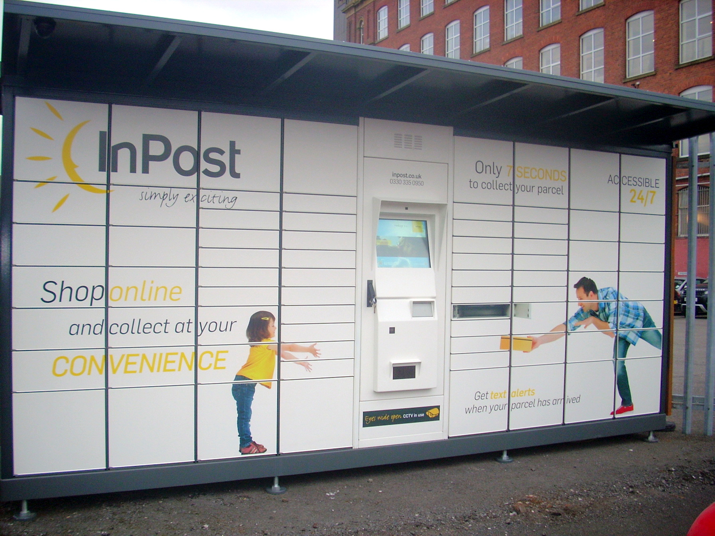 InPost UK Parcel Lockers in situe